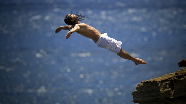 cliff-diving-tricks-feat.jpg