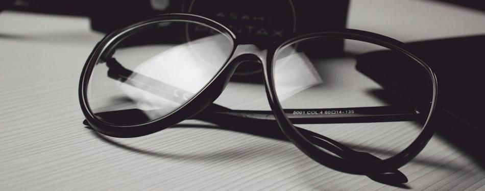 glasses-472027_960_720.jpg